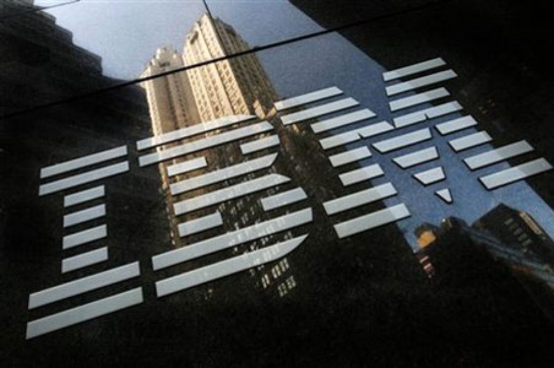 Ganancias de IBM superan expectativas