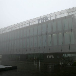 Registran sede de FIFA e incautan documentos
