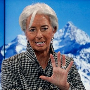 Clase media de potencias, en crisis, advierte Lagarde